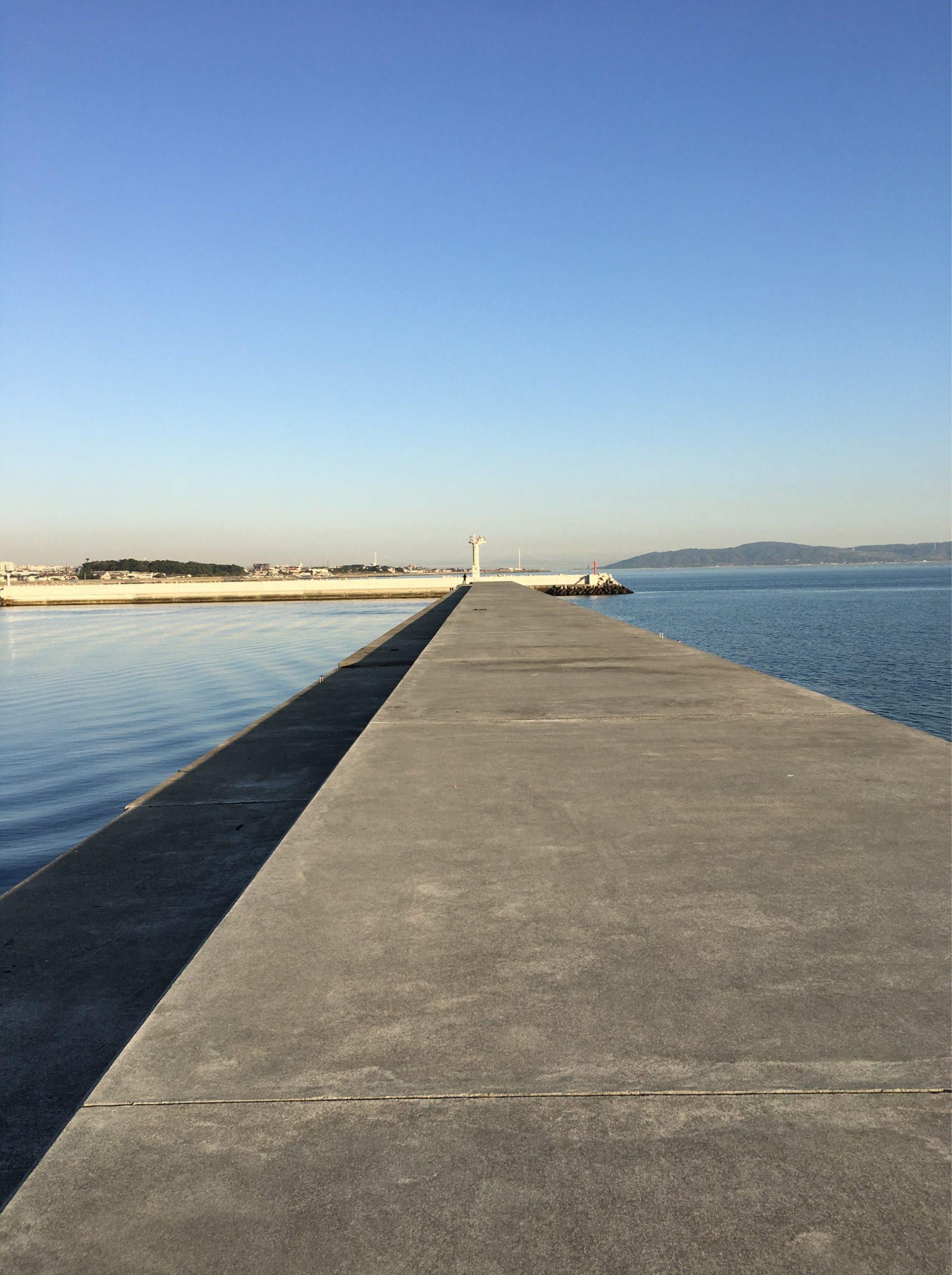 東二見人工島の防波堤